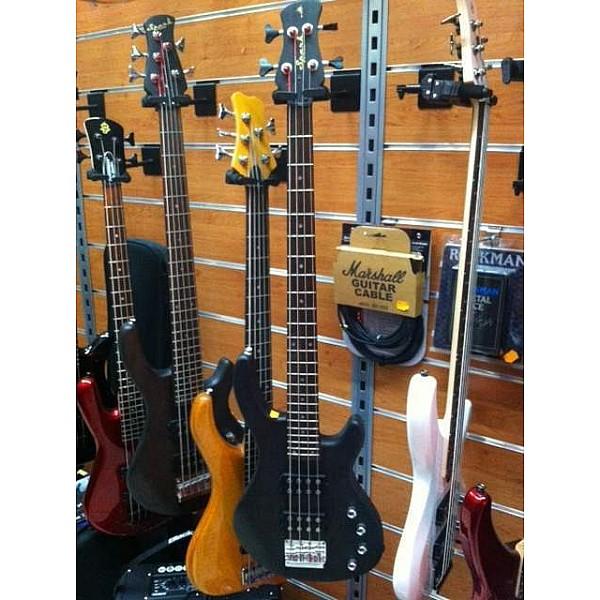 Spark 3300SN - BK - 4 strunová aktívna basgitara